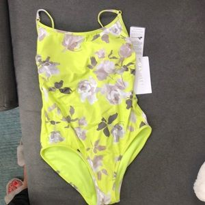 New Athleta bathing suit